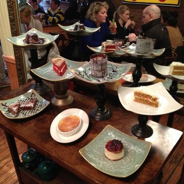 รูปภาพถ่ายที่ Cupping Room Cafe โดย Emma O. เมื่อ 3/2/2013