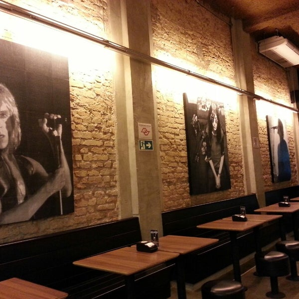 3/6/2013 tarihinde Marcelo F.ziyaretçi tarafından Rock 'n' Roll Burger'de çekilen fotoğraf