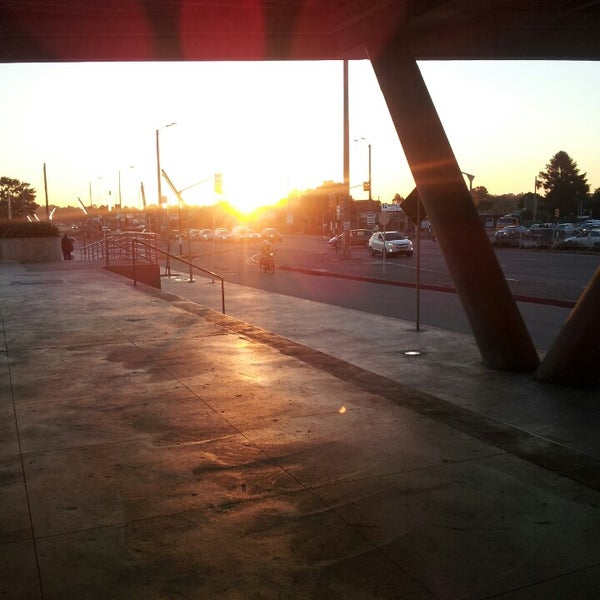 Foto tirada no(a) Costa Urbana Shopping por Agustin N. em 10/26/2013