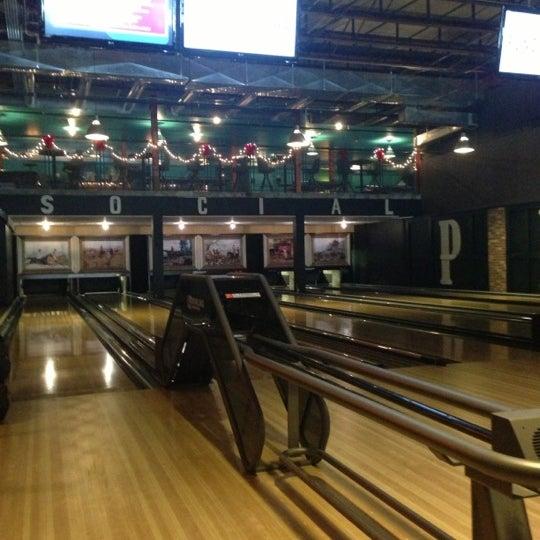12/15/2012에 Adrienne D.님이 Punch Bowl Social에서 찍은 사진
