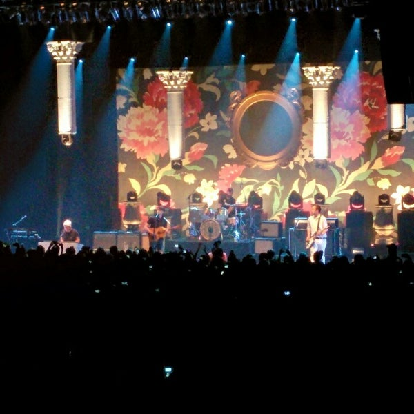 Foto diambil di The Fillmore Miami Beach at The Jackie Gleason Theater oleh Francis M. pada 5/2/2014