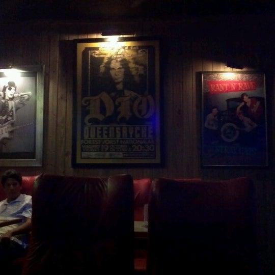 9/23/2012 tarihinde Rafaella D.ziyaretçi tarafından Bolshoi Pub'de çekilen fotoğraf
