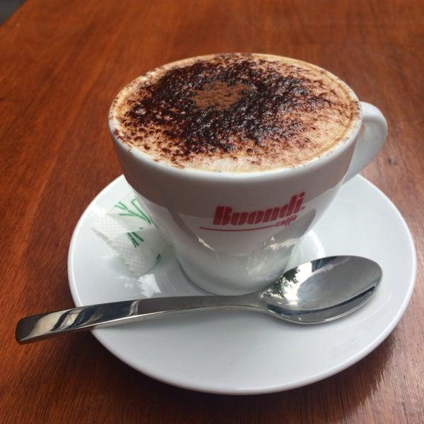 Как приятно посидеть за чашечкой кофе с видом на Гайд парк, пока жена ходит за покупкам