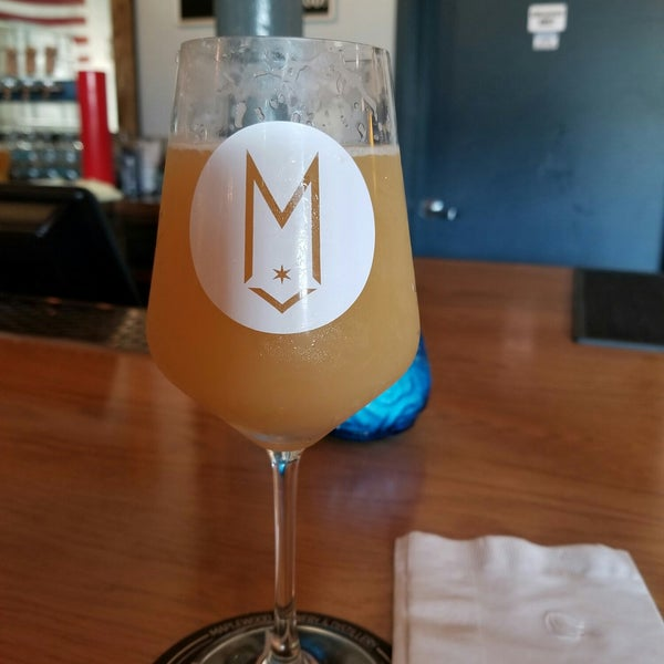 Foto scattata a Maplewood Brewery & Distillery da Anthony D. il 5/13/2018