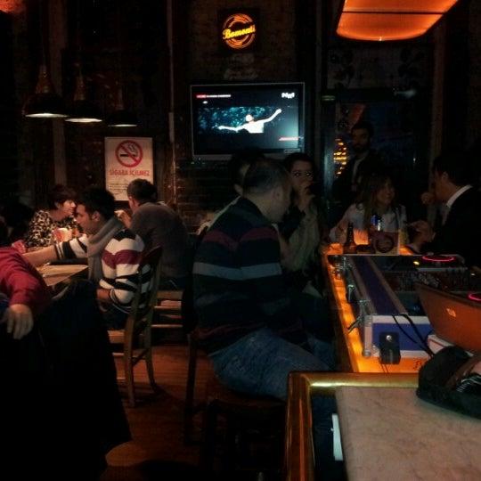รูปภาพถ่ายที่ Sardunya's Brasserie Bomonti ve Şarap Evi โดย Süleyman K. เมื่อ 12/13/2012