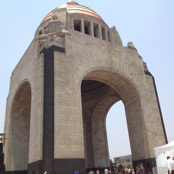 Foto tomada en Monumento a la Revolución Mexicana por Arturo H. el 4/21/2013