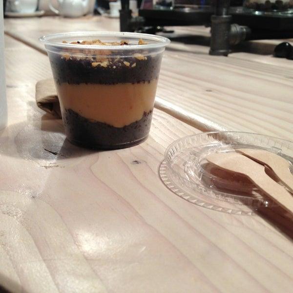 รูปภาพถ่ายที่ Bee's Knees Baking Co. โดย Curtis V. เมื่อ 1/27/2013
