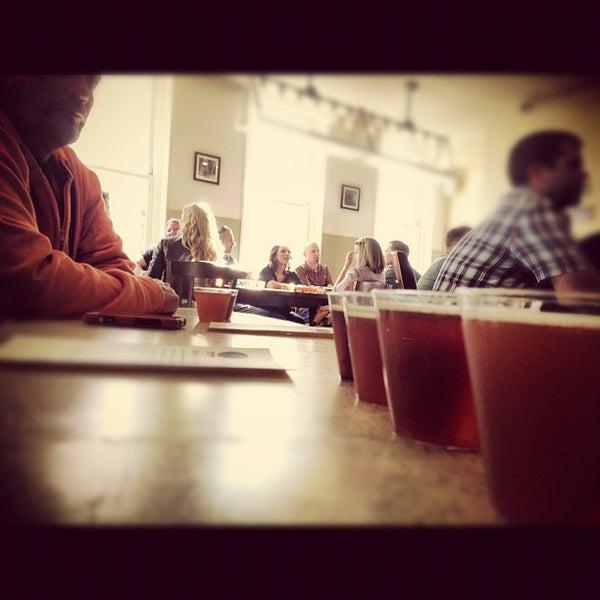 10/14/2012 tarihinde James N.ziyaretçi tarafından Triumph Brewing Company'de çekilen fotoğraf