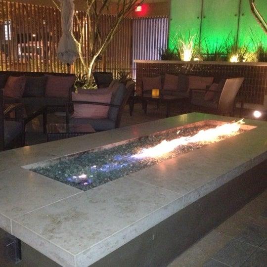 Foto scattata a Province Urban Kitchen & Bar da Liza P. il 11/15/2012