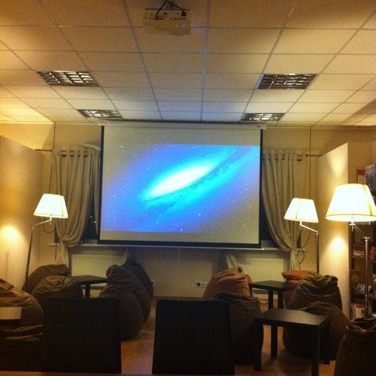 12/10/2012にHelen I.がАнтикафе «Уровень»で撮った写真