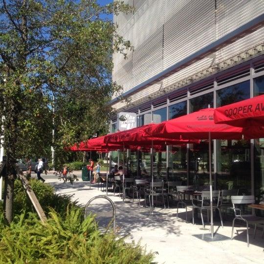 11/4/2012에 Regina B.님이 Cooper Avenue에서 찍은 사진