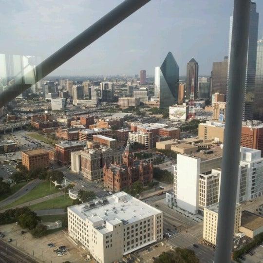 10/3/2012にCecily S.がReunion Towerで撮った写真