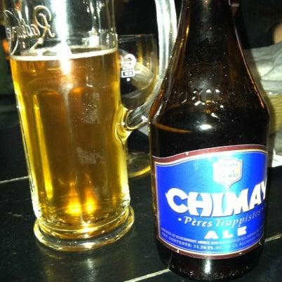 Photo prise au Buddha Beer Bar par Fatima S. le11/4/2012
