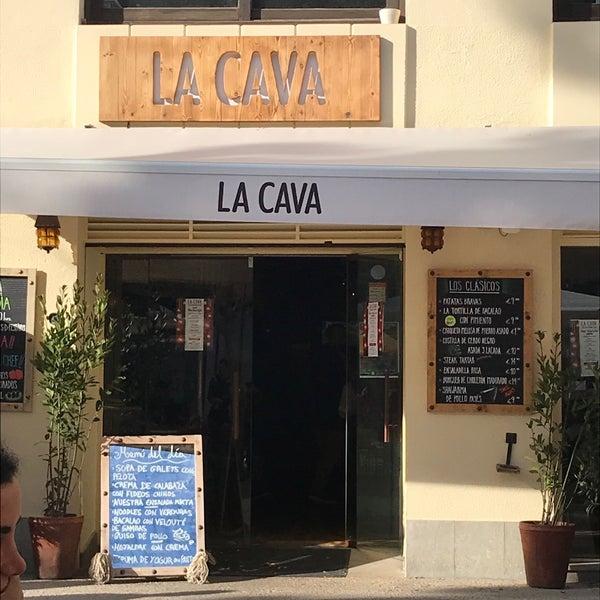 รูปภาพถ่ายที่ La Cava โดย S 🤗 เมื่อ 12/29/2017