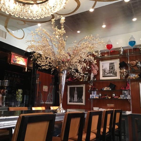Foto tirada no(a) Bar Cyrk NYC por Estera P. em 10/26/2015