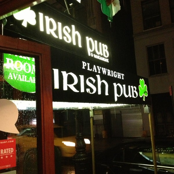 6/8/2013にDavidがPlaywright Irish Pubで撮った写真