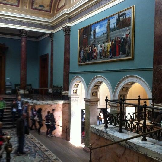 11/8/2012 tarihinde Tatiana K.ziyaretçi tarafından National Gallery'de çekilen fotoğraf