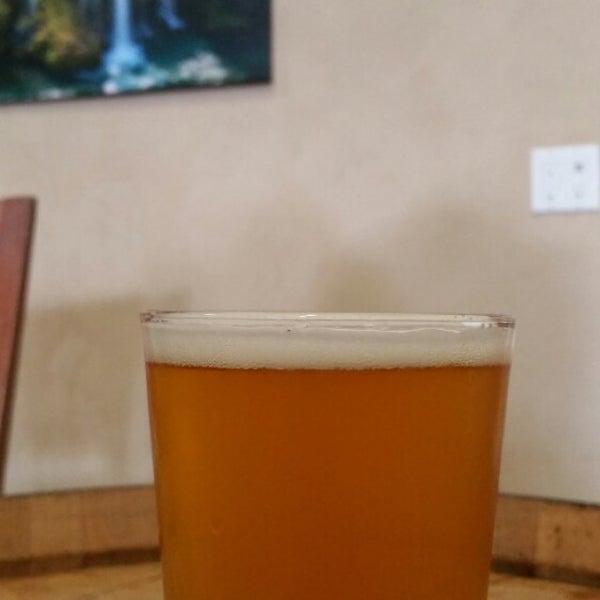 Foto tomada en Beach City Brewery por Morgan R. el 7/2/2015