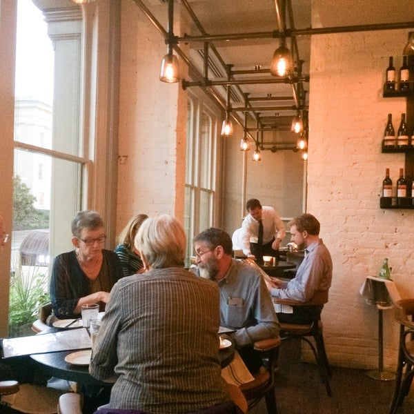 Photo prise au NoPa Kitchen + Bar par Tim C. le10/8/2016