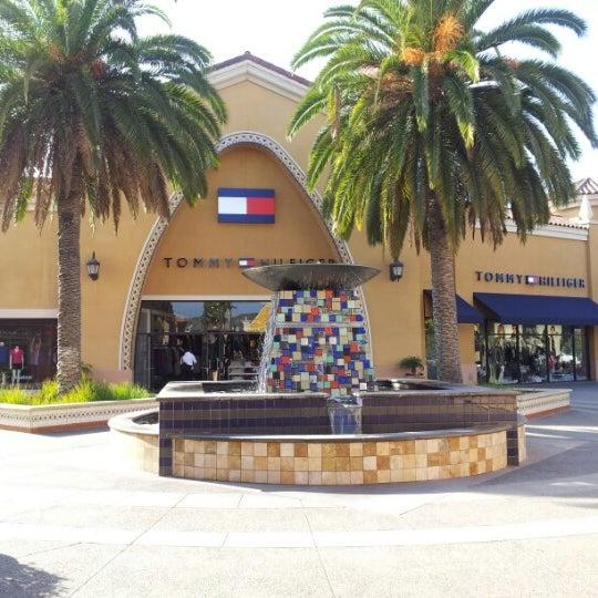 3c3afa17ed2 Perry Ellis - International Gateway of The Americas - San Ysidro