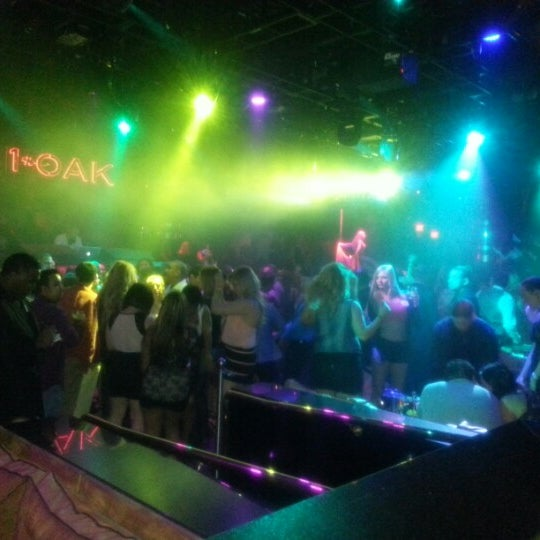 Photo prise au 1 OAK Nightclub par karim n. le1/12/2013