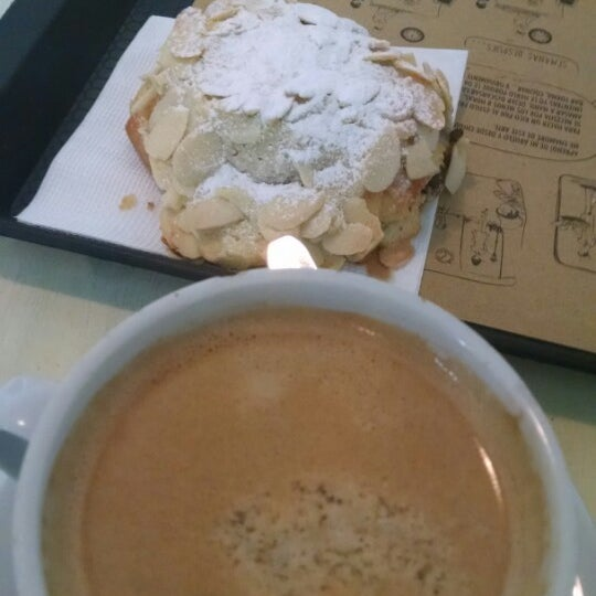 Foto diambil di Boulangerie Cocu oleh Diego R. pada 10/24/2014