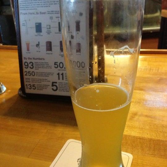 10/5/2012에 Amy B.님이 Outer Banks Brewing Station에서 찍은 사진
