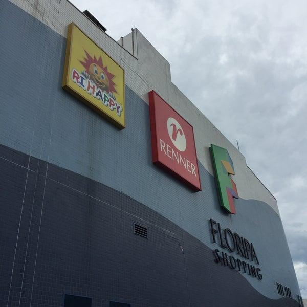 Снимок сделан в Floripa Shopping пользователем Humberto M. 12/31/2014