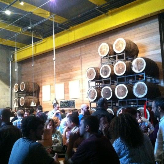 Foto tirada no(a) SingleCut Beersmiths por Nicole N. em 12/8/2012