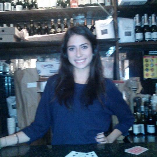12/28/2012 tarihinde Paul A.ziyaretçi tarafından Shervin's Cafe'de çekilen fotoğraf