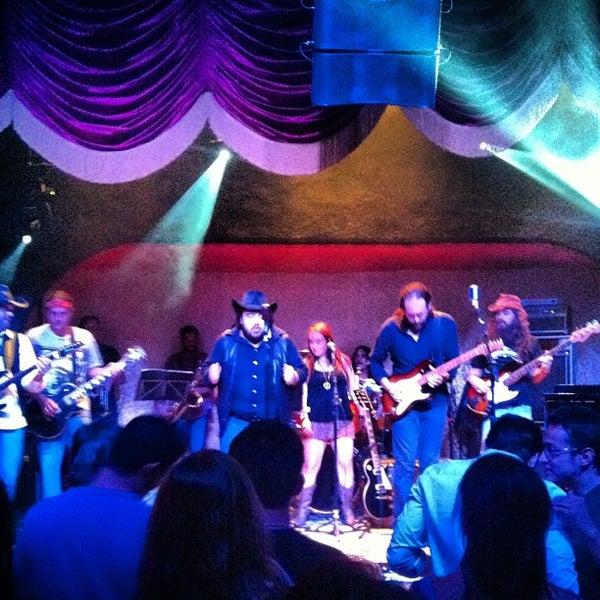 9/16/2012 tarihinde Manoel A.ziyaretçi tarafından Bolshoi Pub'de çekilen fotoğraf