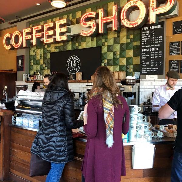 Foto diambil di Street 14 Cafe oleh Gloria Z. pada 3/2/2019