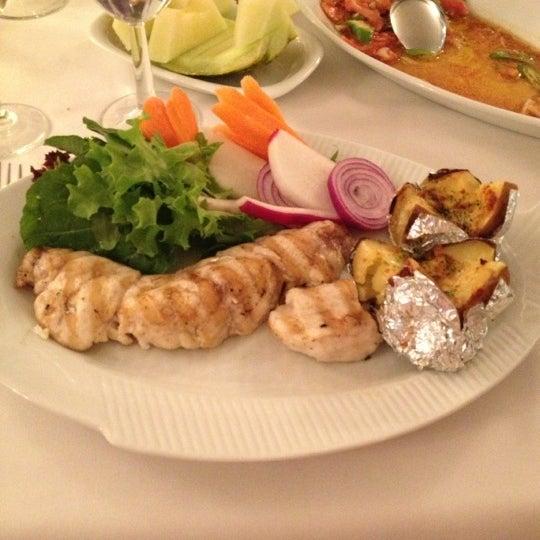 Foto diambil di Yelken Restaurant oleh Yasar G. pada 12/6/2012