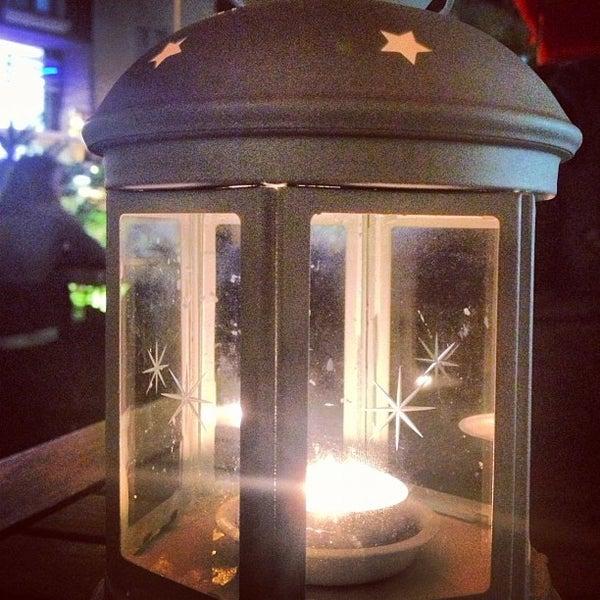 Foto tomada en Del Moon Coffee & Food & Hookah por Ali A. el 10/17/2012