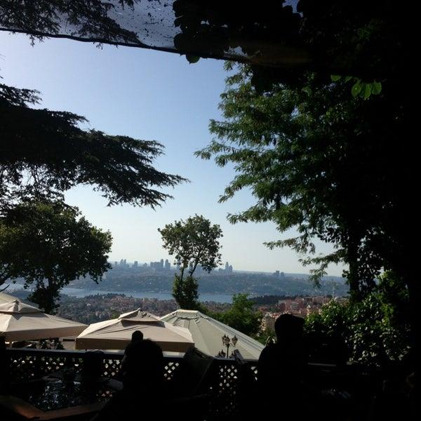 Foto scattata a Desde Cafe & Restaurant da Sosyal il 6/24/2013