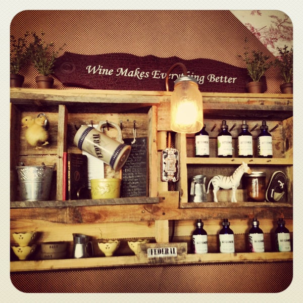 4/20/2013にTrisha C.がThe Federal Food Drink & Provisionsで撮った写真