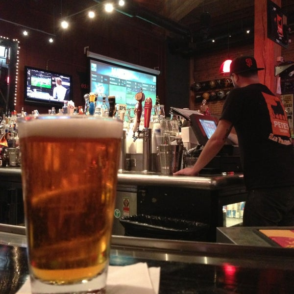 Photo prise au Pete's Tavern par Phillip K. le4/10/2013