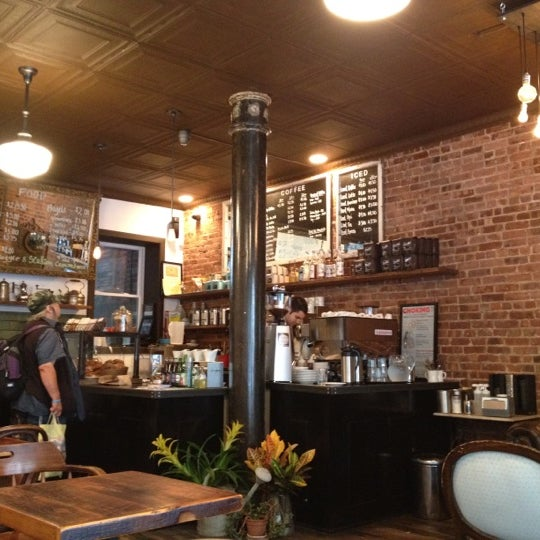 Das Foto wurde bei Lenox Coffee von Kia am 8/9/2012 aufgenommen