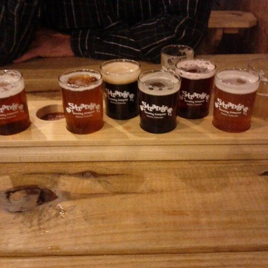 Das Foto wurde bei Strange Craft Beer Company von David am 10/5/2012 aufgenommen