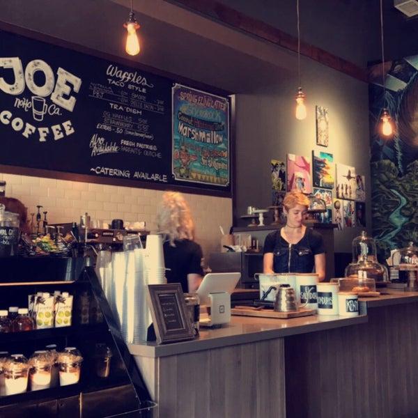 4/2/2017 tarihinde Hosamziyaretçi tarafından Joe Coffee'de çekilen fotoğraf