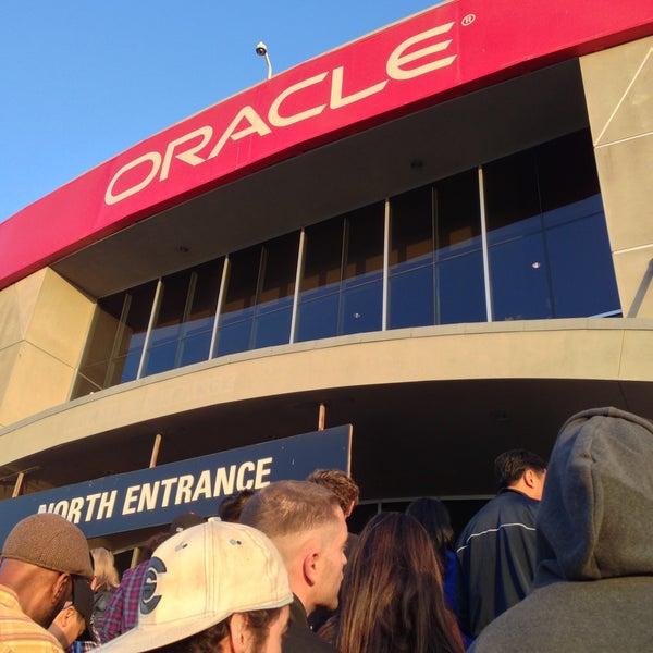 รูปภาพถ่ายที่ Oakland Arena โดย Ulysses K. เมื่อ 4/12/2013