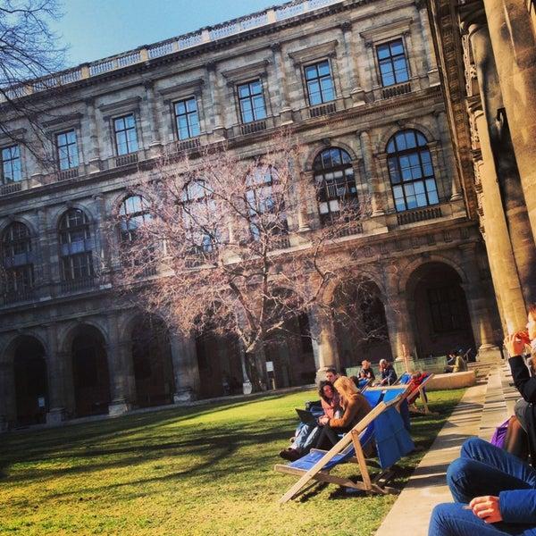 Foto tomada en Universität Wien por Kristine J. el 3/5/2013