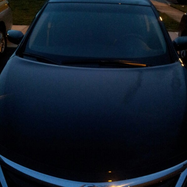 """Photo prise au Tischer Acura par Amarie """"PoshTheSocialite.com"""" J. le4/24/2014"""