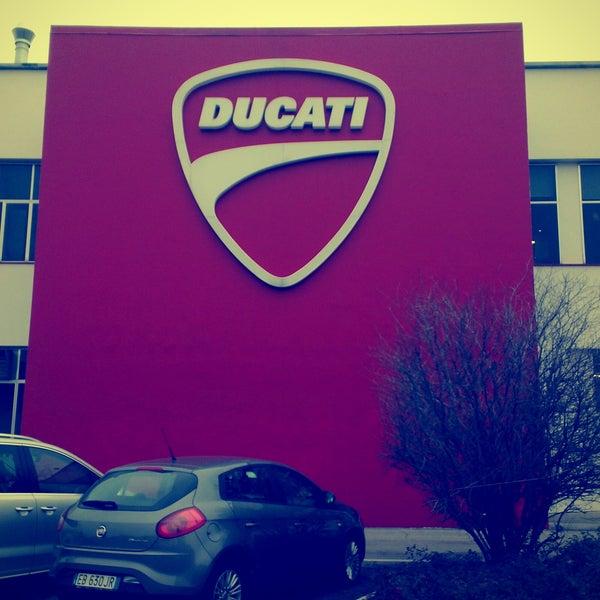 1/9/2013 tarihinde Alexey A.ziyaretçi tarafından Ducati Motor Factory & Museum'de çekilen fotoğraf
