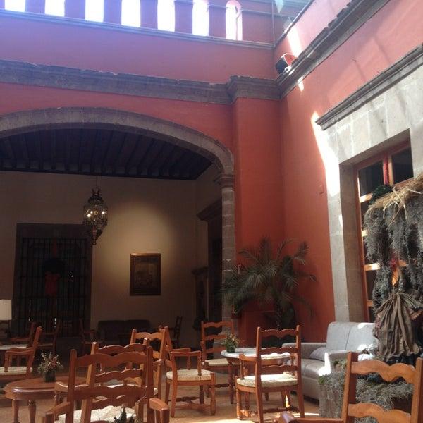 Снимок сделан в Hacienda de Los Morales пользователем Choco L. 12/28/2012
