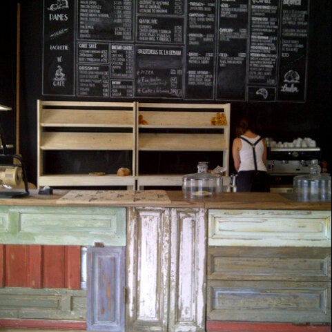 Foto diambil di Boulangerie Cocu oleh Felipe M. pada 2/17/2013