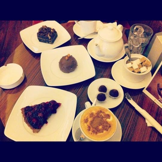 Снимок сделан в Круассан-кафе пользователем Oksana F. 10/26/2012