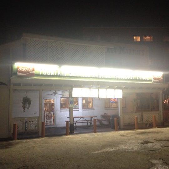 Foto scattata a Dirty Martin's Place da Andrew S. il 10/12/2012