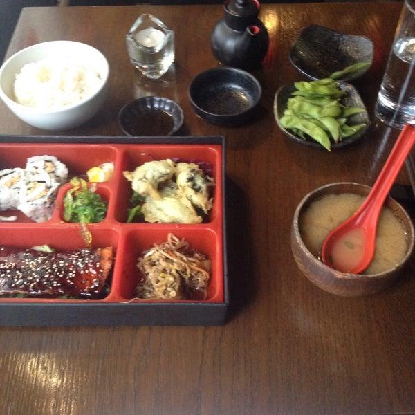 9/8/2016 tarihinde Antonia K.ziyaretçi tarafından Banyi Japanese Dining'de çekilen fotoğraf
