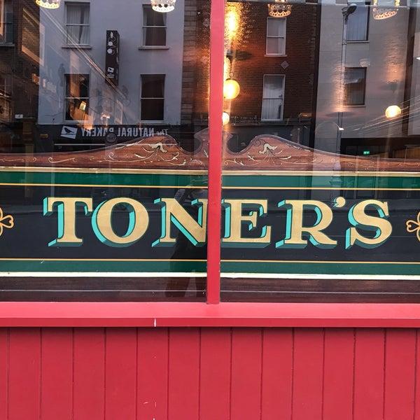 รูปภาพถ่ายที่ Toners Pub โดย Rachel P. เมื่อ 6/1/2019
